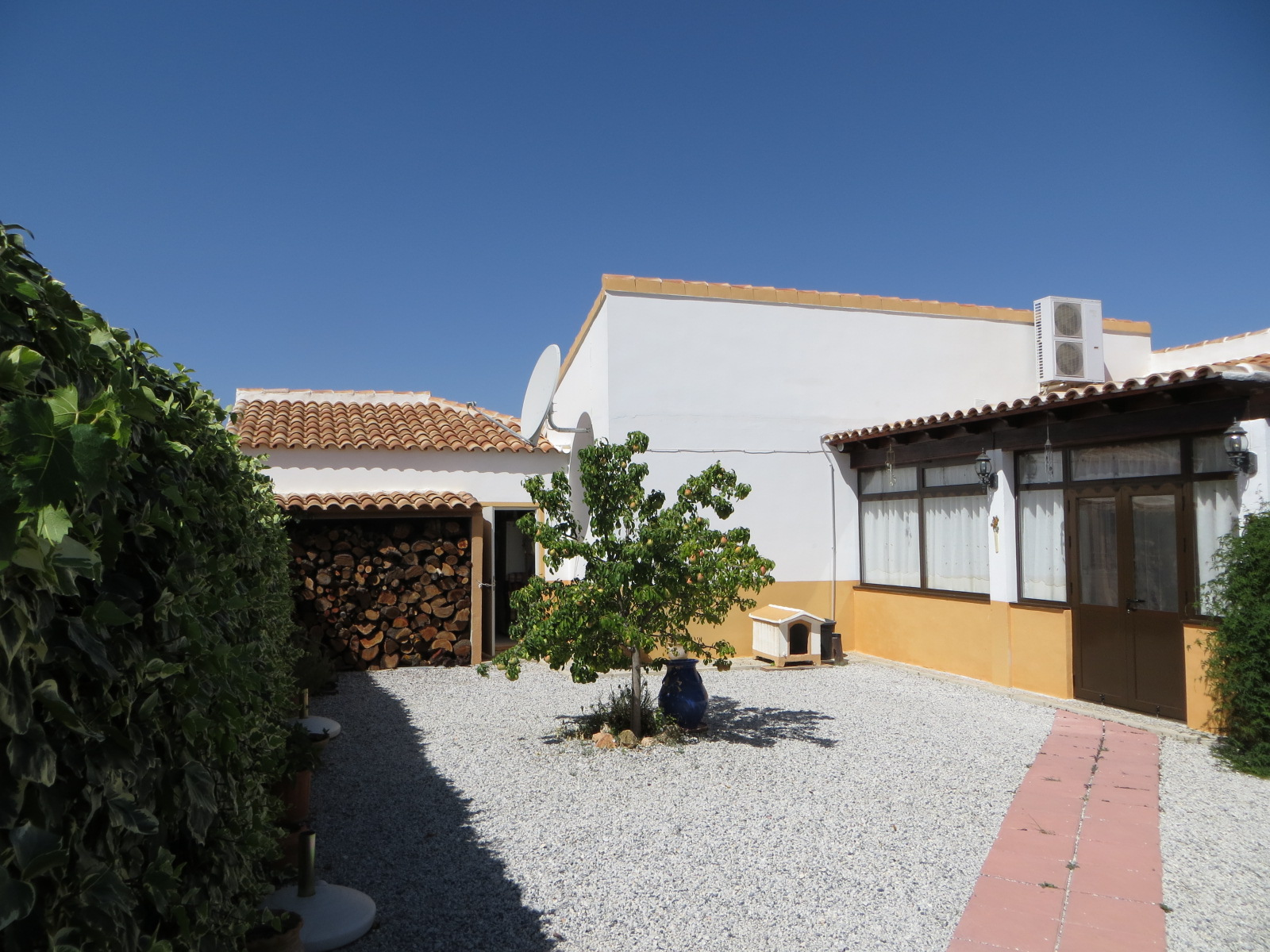 Coles of Andalucia property CHV3V01 photo 3