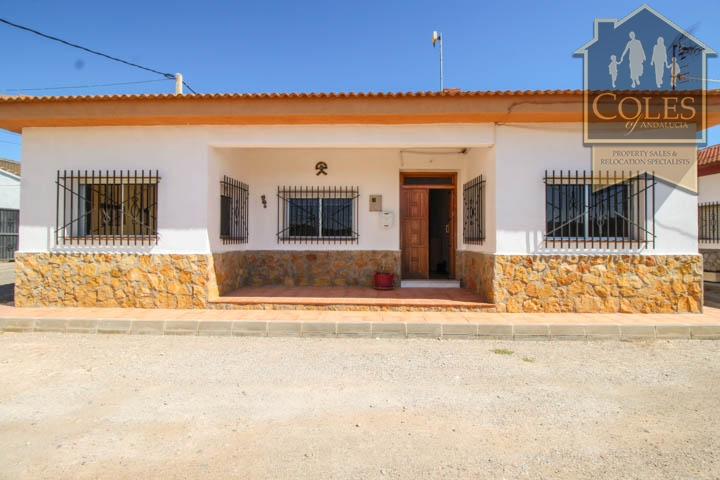Coles of Andalucia property HUE5V01 photo 15