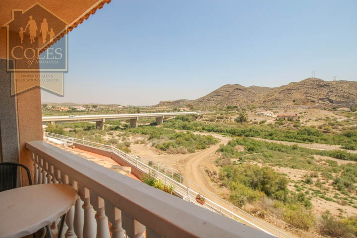 Coles of Andalucia property LOB4T10 photo 14